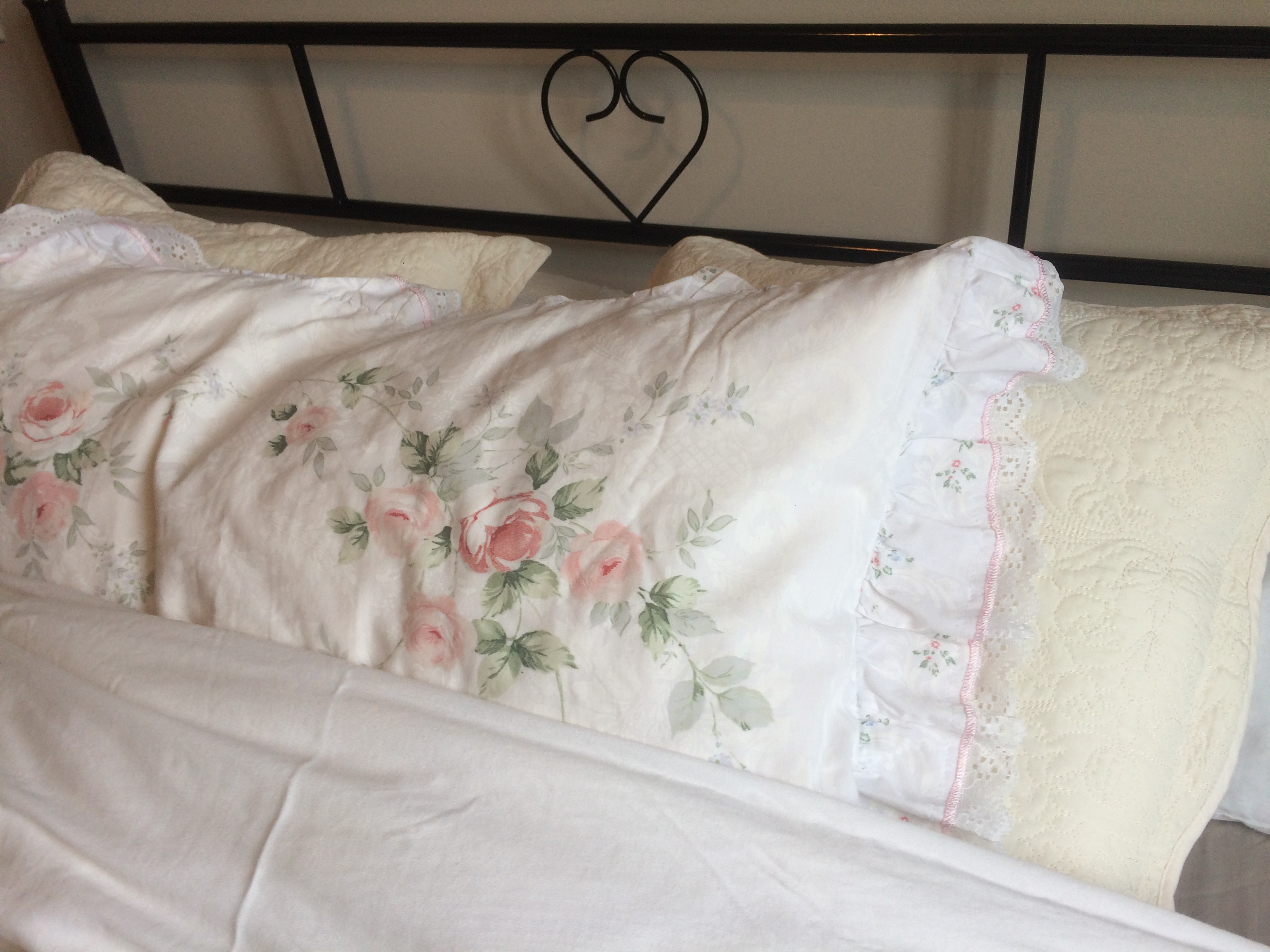 Bedding guest bed