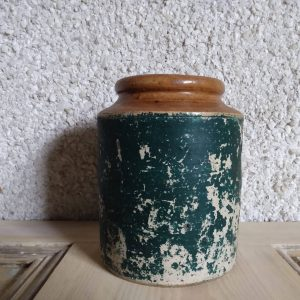 Front of jar. Vintage Stoneware Storage Jar / Rustic Antique Decor by a Hopeful Home webshop for rustic vintage homeware.