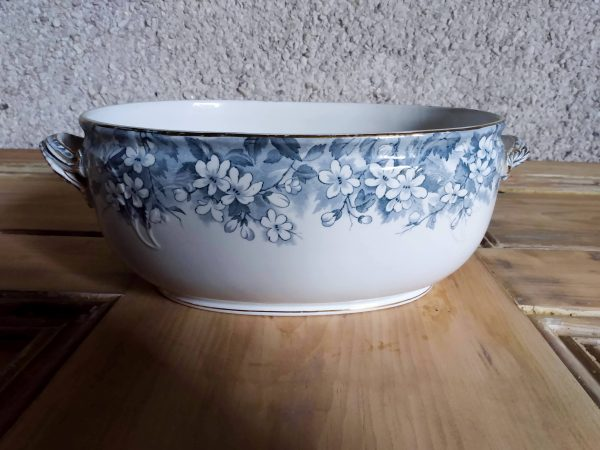 Featured image oval porcelain serving dish by a Hopeful Home Webshop.
