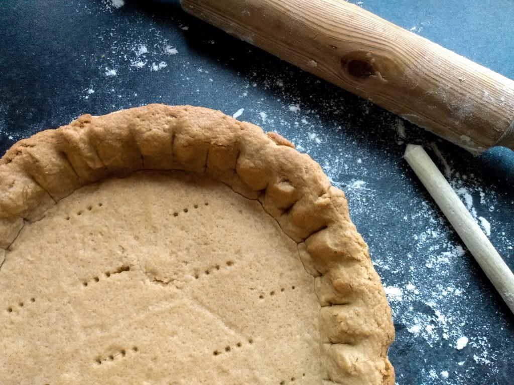 Finished pie crust. No-fail lemon meringue pie recipe by a Hopeful Home.